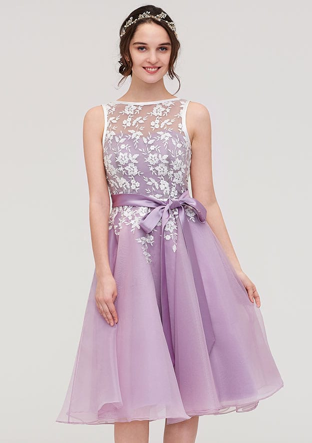 A-Line/Princess Bateau Sleeveless Knee-Length Organza Bridesmaid Dress With Sashes Lace