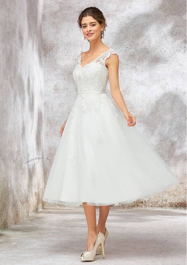 Ball Gown Sleeveless Tea-Length Lace/Tulle/Satin Wedding Dress With Sashes