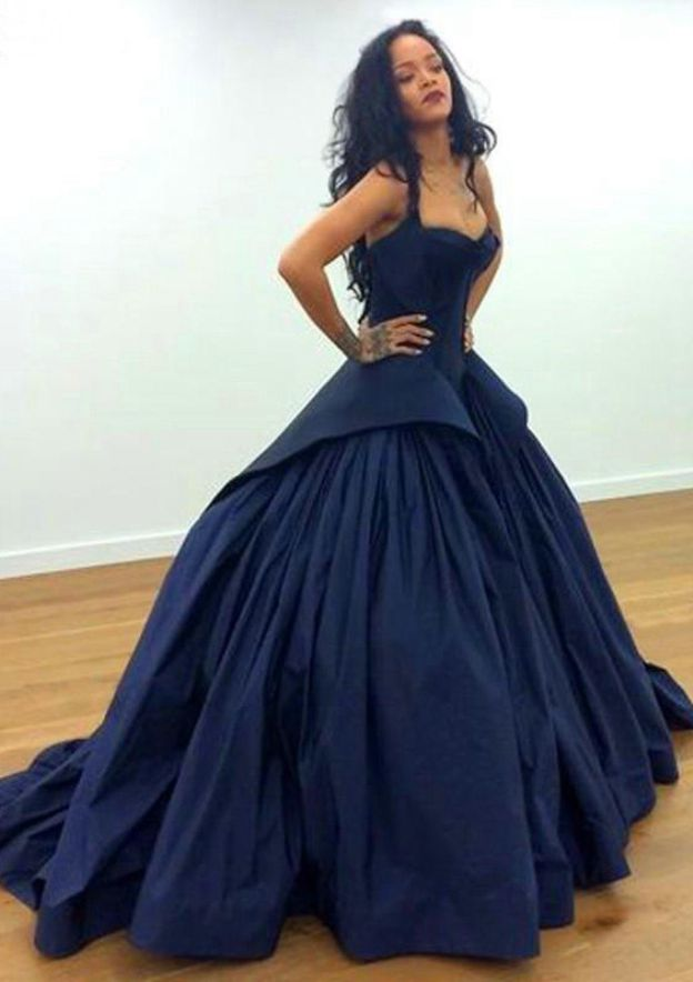 Ball Gown V Neck Sleeveless Chapel Train Taffeta Prom Dress