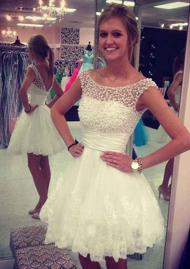 A-Line/Princess Bateau Sleeveless Short/Mini Tulle Homecoming Dress With Pleated Beading Lace