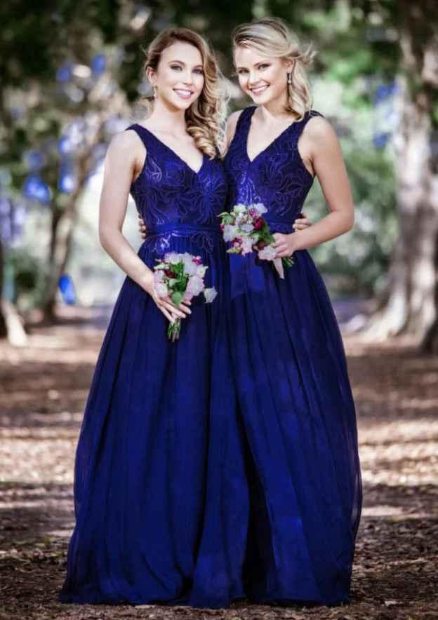 A-Line/Princess V Neck Sleeveless Long/Floor-Length Chiffon Bridesmaid Dress With Appliqued
