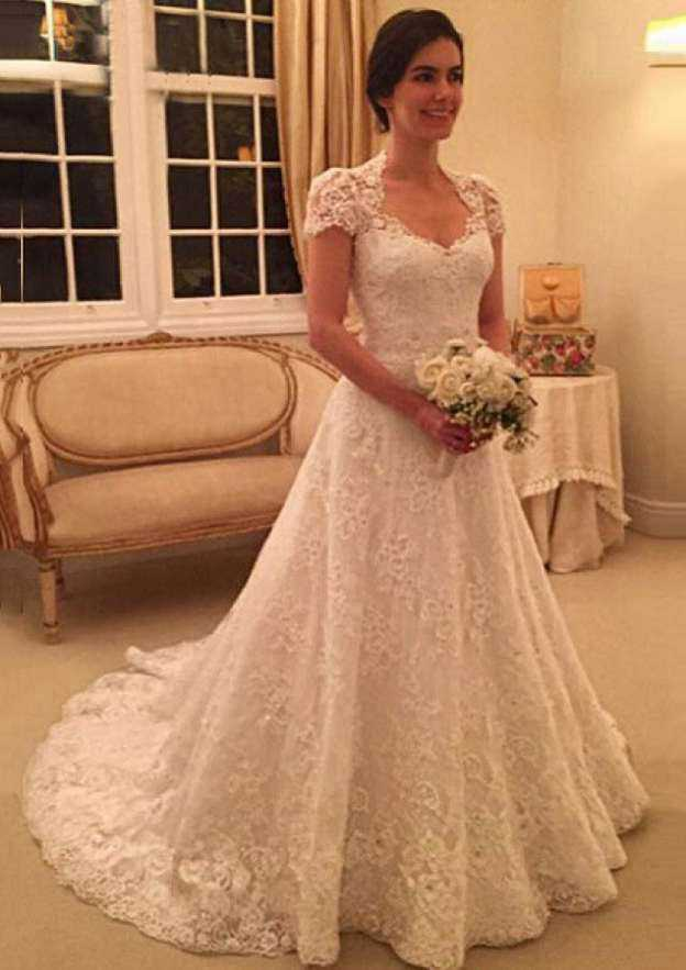 Ball Gown Sweetheart Sleeveless Court Train Lace Wedding Dress With Appliqued Beading