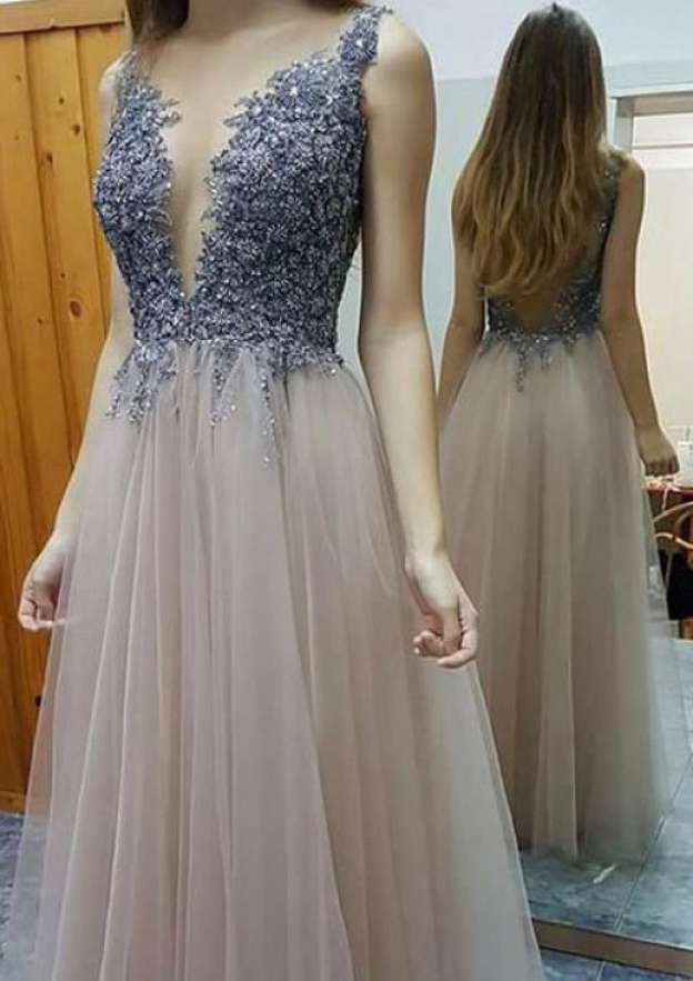 A-Line/Princess Scalloped Neck Sleeveless Long/Floor-Length Tulle Prom Dress With Appliqued Beading