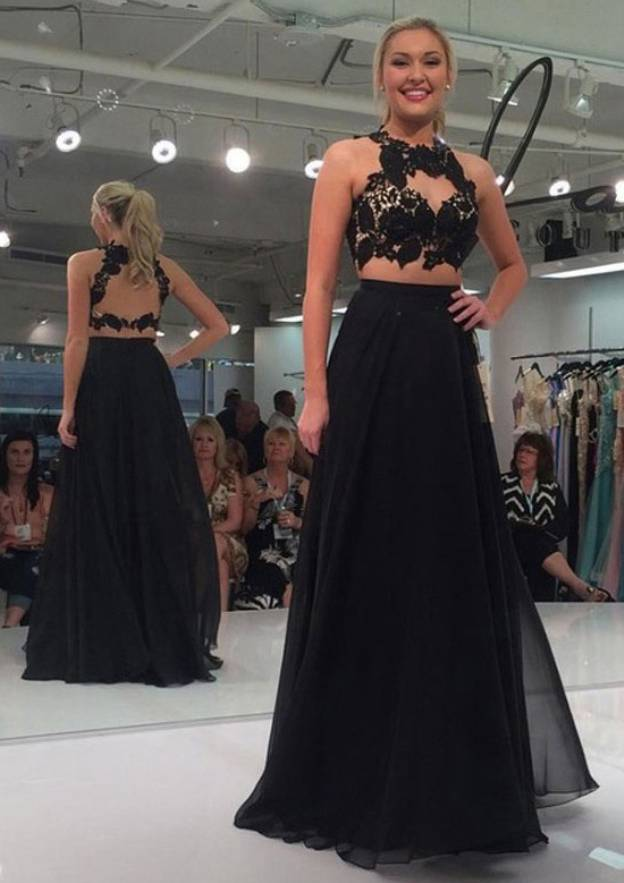 A-Line/Princess Halter Sleeveless Long/Floor-Length Chiffon Prom Dress With Appliqued
