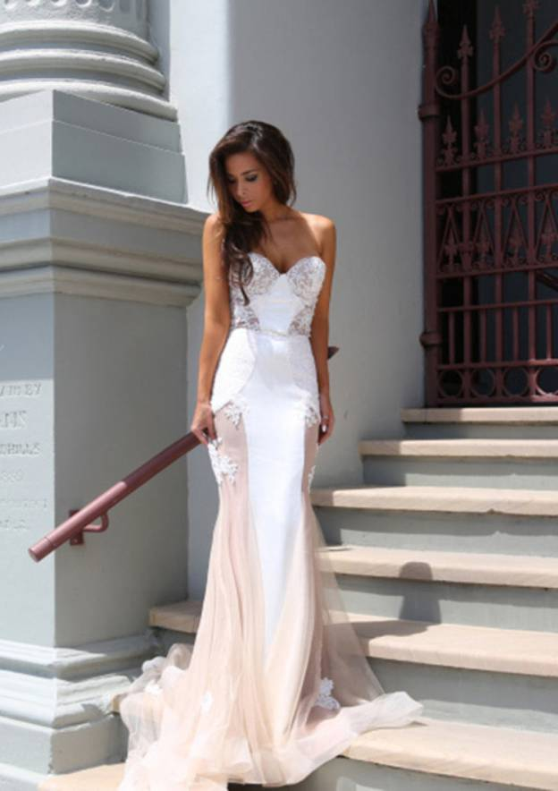 Trumpet/Mermaid Sweetheart Sleeveless Court Train Tulle Prom Dress With Lace Appliqued
