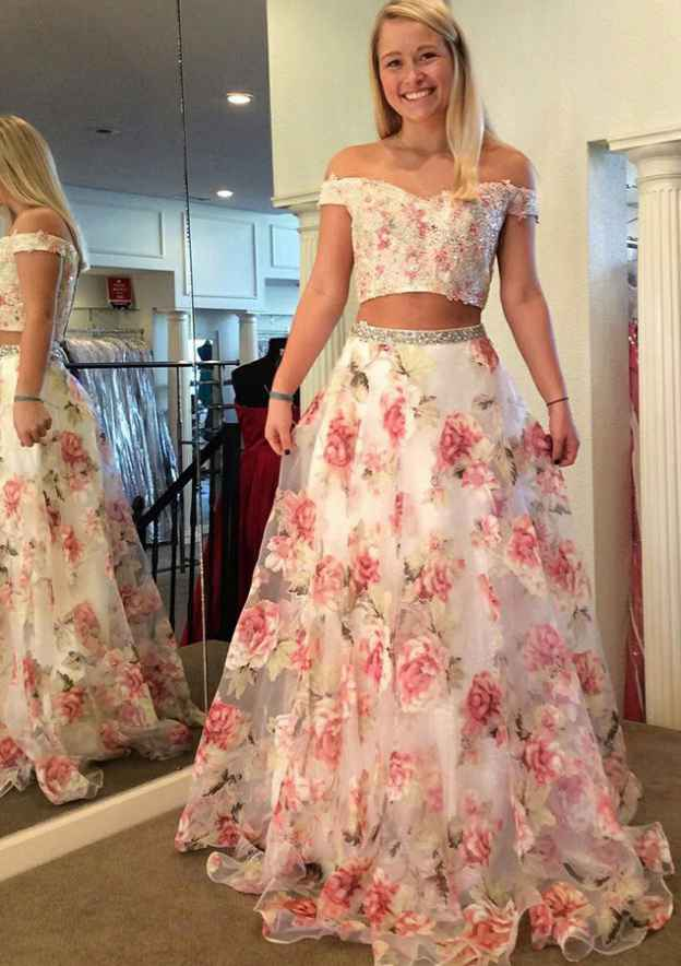A-Line/Princess Off-The-Shoulder Sleeveless Sweep Train Tulle Prom Dress With Beading