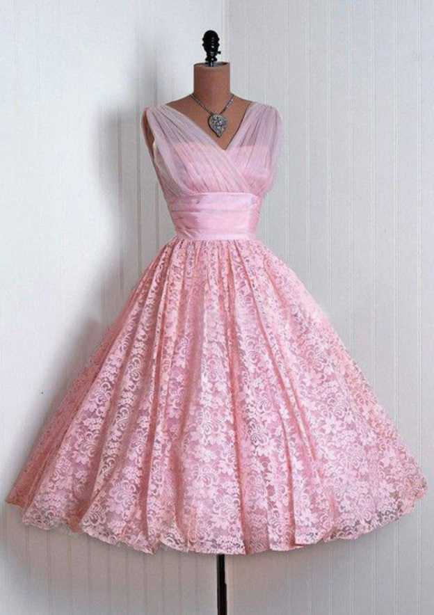 Ball Gown V Neck Sleeveless Knee-Length Lace Homecoming Dress