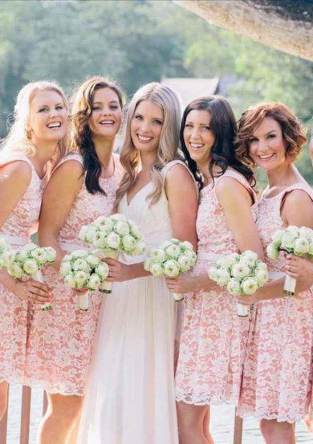 A-Line/Princess Scoop Neck Sleeveless Short/Mini Lace Bridesmaid Dress With Hem Lace Sashes