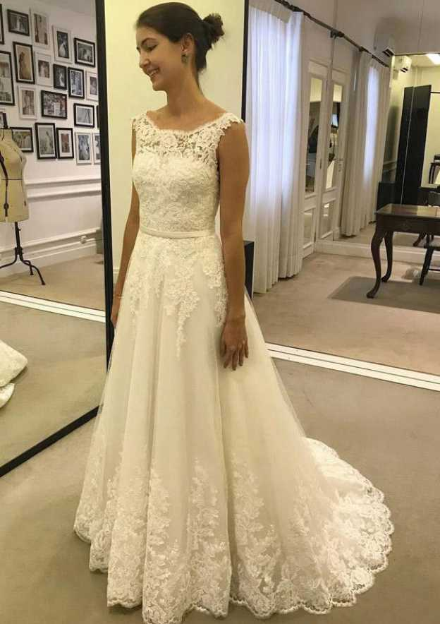 A-Line/Princess Bateau Sleeveless Court Train Tulle Wedding Dress With Appliqued Hem