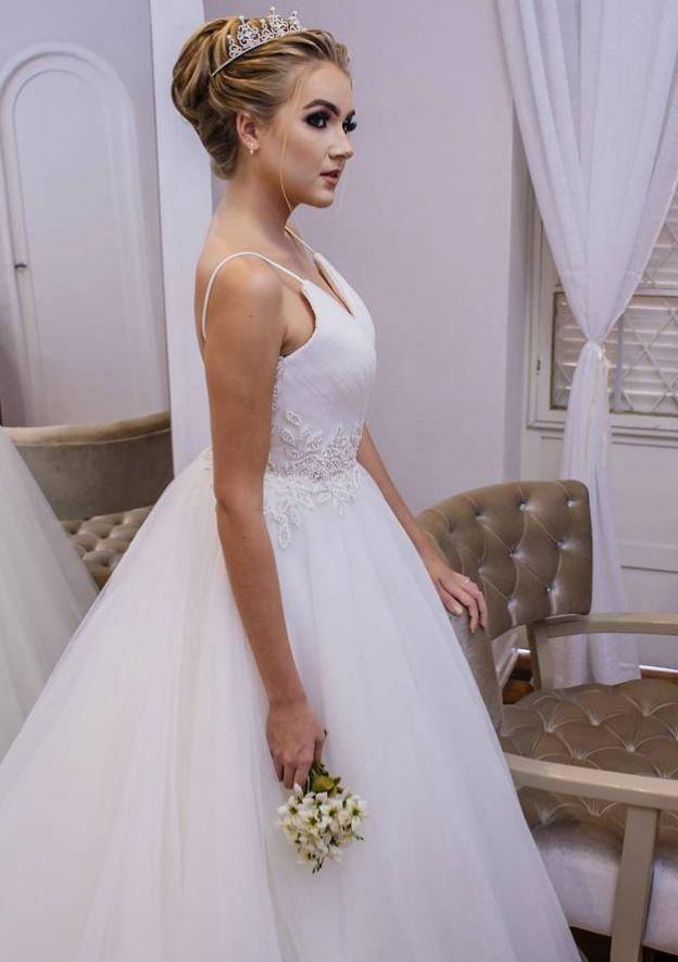 Ball Gown V Neck Sleeveless Long/Floor-Length Tulle Wedding Dress With Appliqued