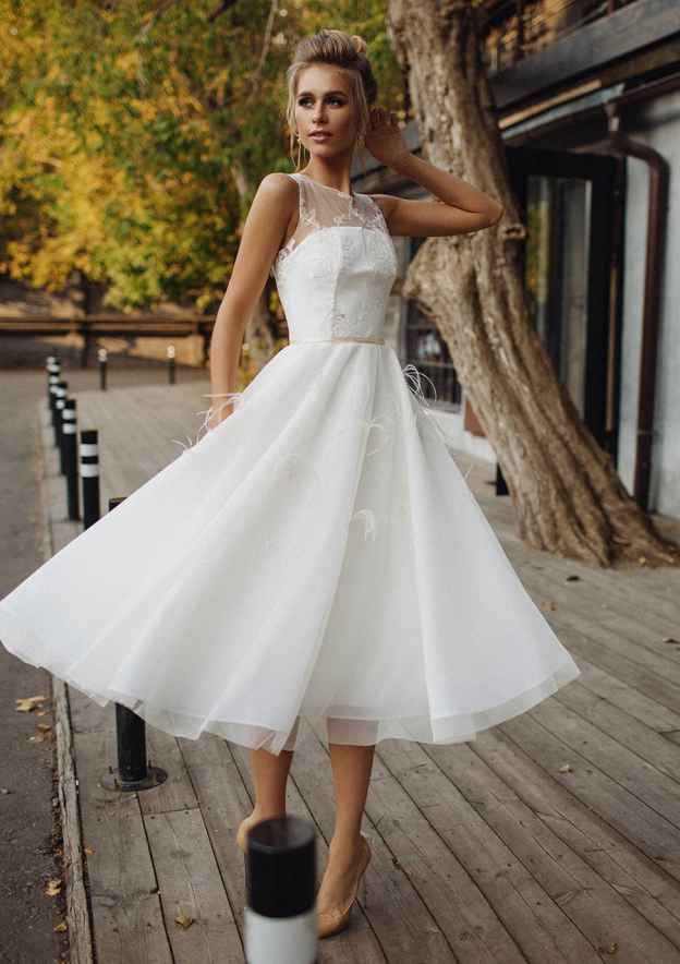 A-Line/Princess Scoop Neck Sleeveless Tea-Length Tulle Wedding Dress With Lace Waistband