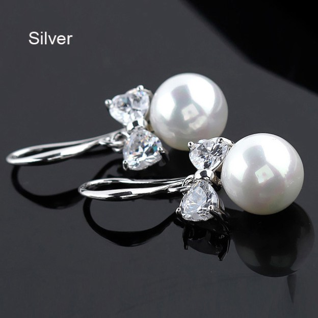 Alloy Irregular Earclip Fashion Earrings With Imitation Pearls