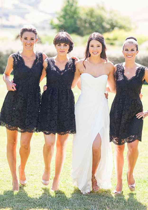 A-Line/Princess Scalloped Neck Sleeveless Short/Mini Lace Bridesmaid Dresses With Pleated