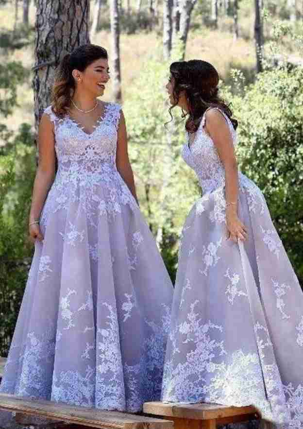 A-Line/Princess V Neck Sleeveless Long/Floor-Length Tulle Bridesmaid Dresses With Appliqued Pleated