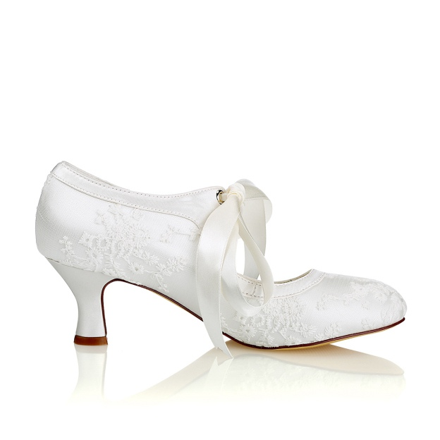 Close Toe Chunky Heel Lace Wedding Shoes With Bowknot