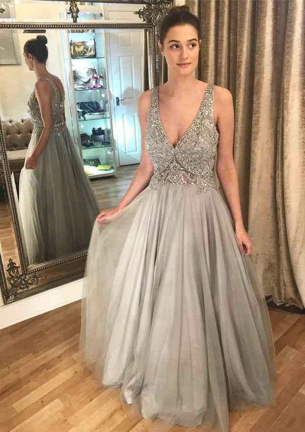 A-Line/Princess V Neck Sleeveless Long/Floor-Length Tulle Prom Dress With Beading