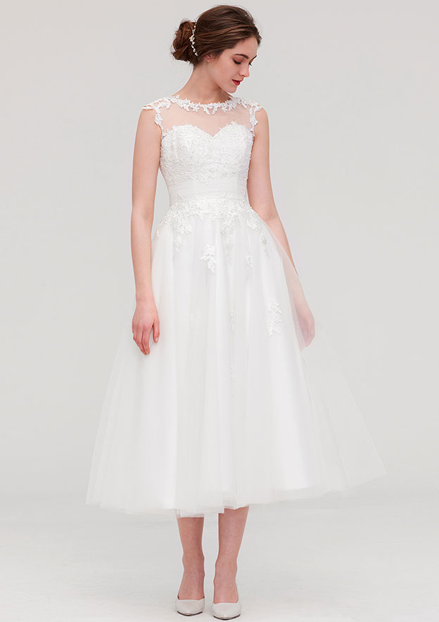 A-line/Princess Scoop Neck Sleeveless Tea-Length Tulle Wedding Dress With Appliqued Beading Pleated
