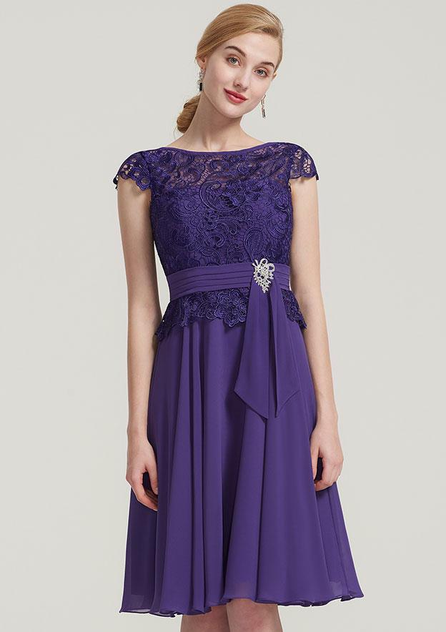 A-Line/Princess Bateau Sleeveless Knee-Length Chiffon Mother Of The Bride Dress With Pleated Beading Lace