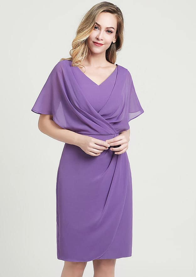 A-line/Princess V Neck Short Sleeve Knee-Length Chiffon Mother of the Bride Dress With Ruffles