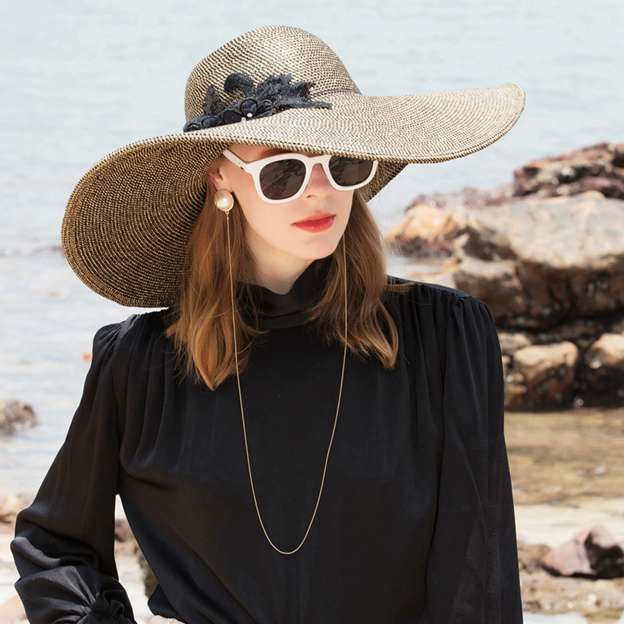 Ladies' Glamourous/Elegant Polyester Beach/Sun Hats/Straw Hats With Beading Lace