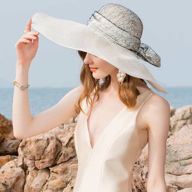 Ladies' Glamourous/Elegant/Charming Cambric Beach/Sun Hats/Kentucky Derby Hats With Bowknot Lace