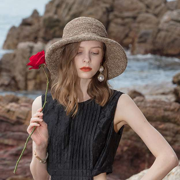 Ladies' Elegant/Charming Papyrus Straw Hats/Beach/Sun Hats/Floppy Hats With Bowknot