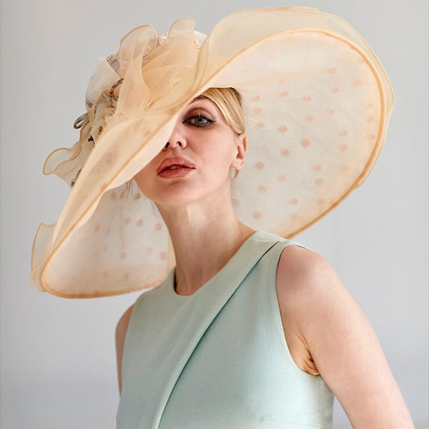 Ladies' Beautiful/Elegant Organza Beach/Sun Hats/Kentucky Derby Hats With Bowknot Beading Flower