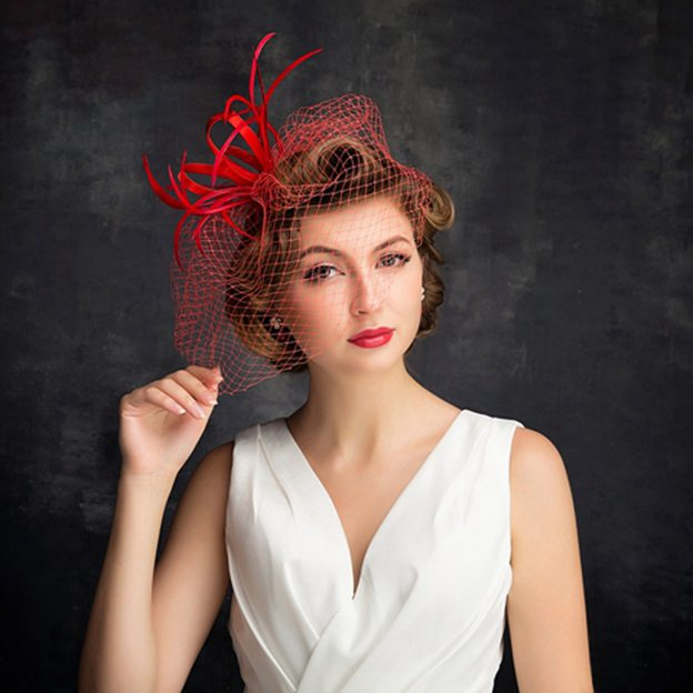 Ladies' Pretty/Glamourous Net Yarn Cambric Fascinators With Feather