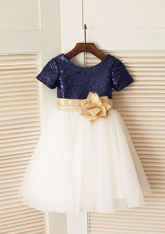 A-line/Princess Knee-Length Scoop Neck Tulle/Sequined Flower Girl Dress With Flowers/Sashes