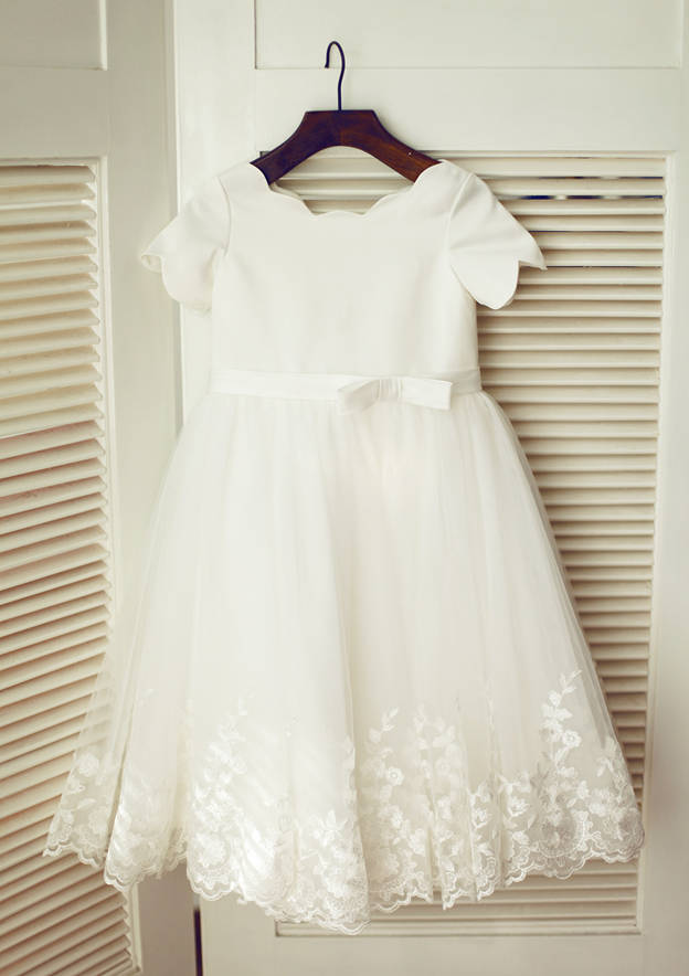 A-line/Princess Knee-Length Scoop Neck Short Sleeve Tulle Flower Girl Dresses With Bowknot/Lace