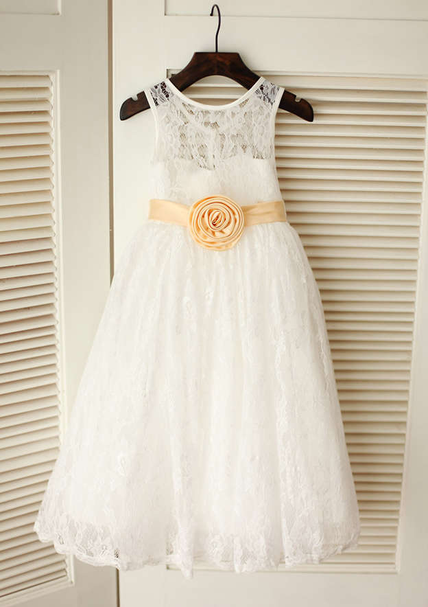 A-line/Princess Knee-Length Scoop Neck Lace Flower Girl Dress With Sashes