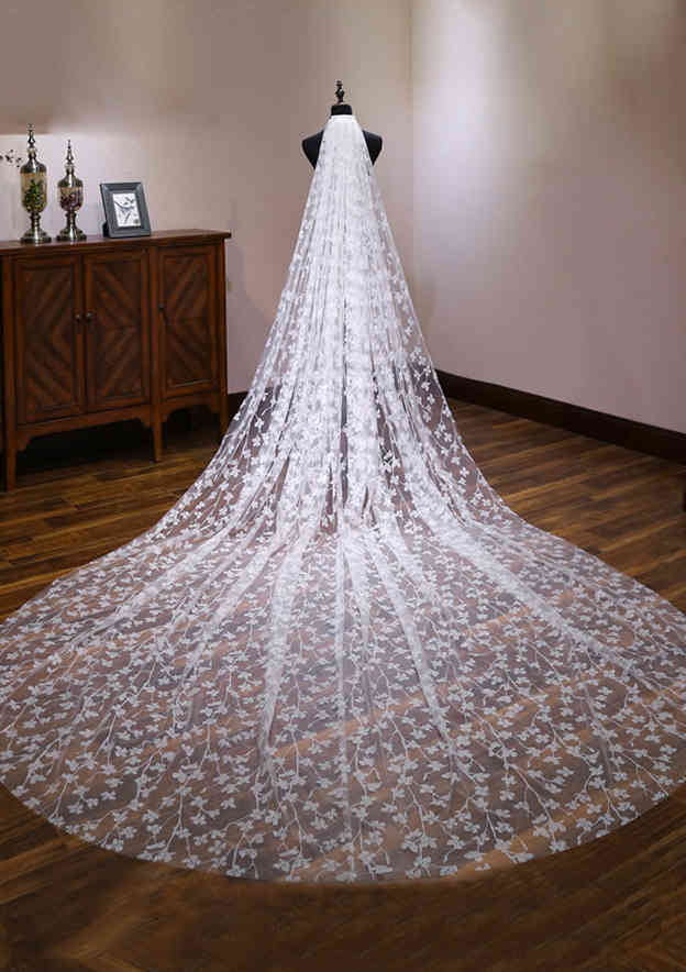 One-tier Cathedral Bridal Veils With Flower