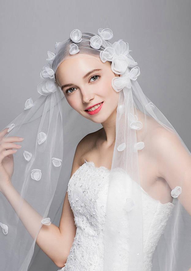 One-tier Waltz Bridal Veils With Flower