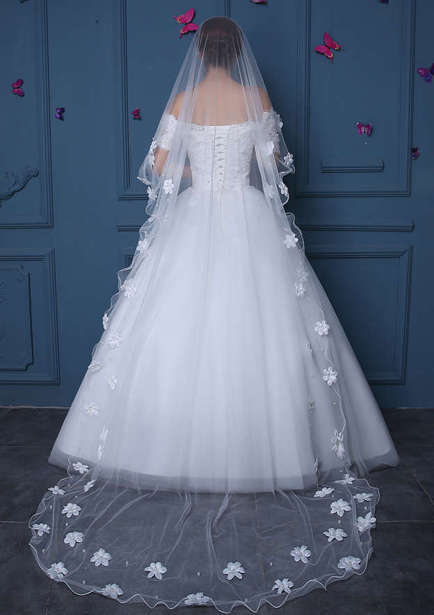 One-tier Ribbon Edge Tulle Chapel Bridal Veils With Faux Pearl/Flower