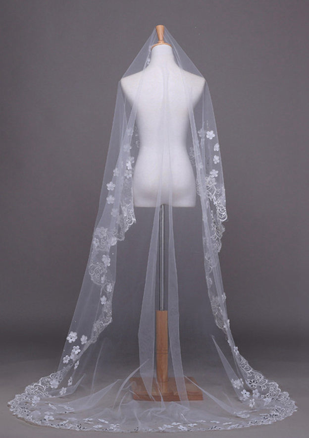 One-tier Tulle Chapel Bridal Veils With Lace/Rhinestones/Flower