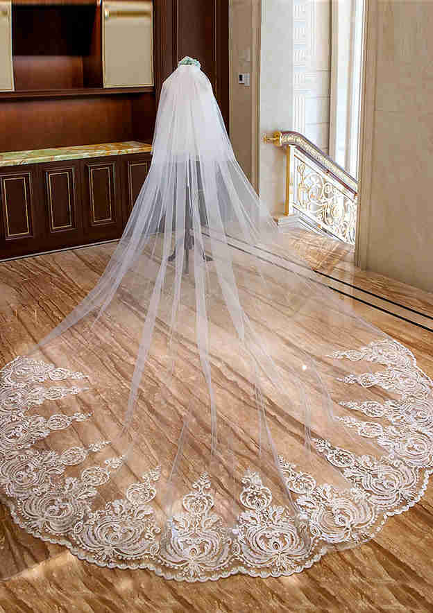 Two-tier Lace Applique Edge Tulle Cathedral Bridal Veils
