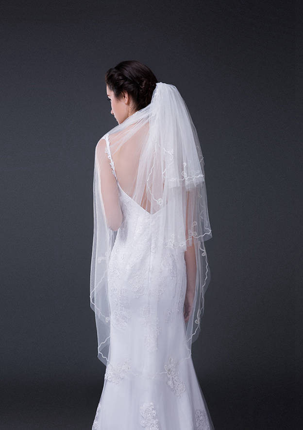 Three-tier Lace Applique Edge Tulle Waltz Bridal Veils