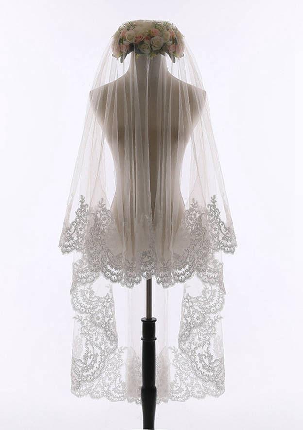 One-tier Lace Applique Edge Tulle Waltz Bridal Veils