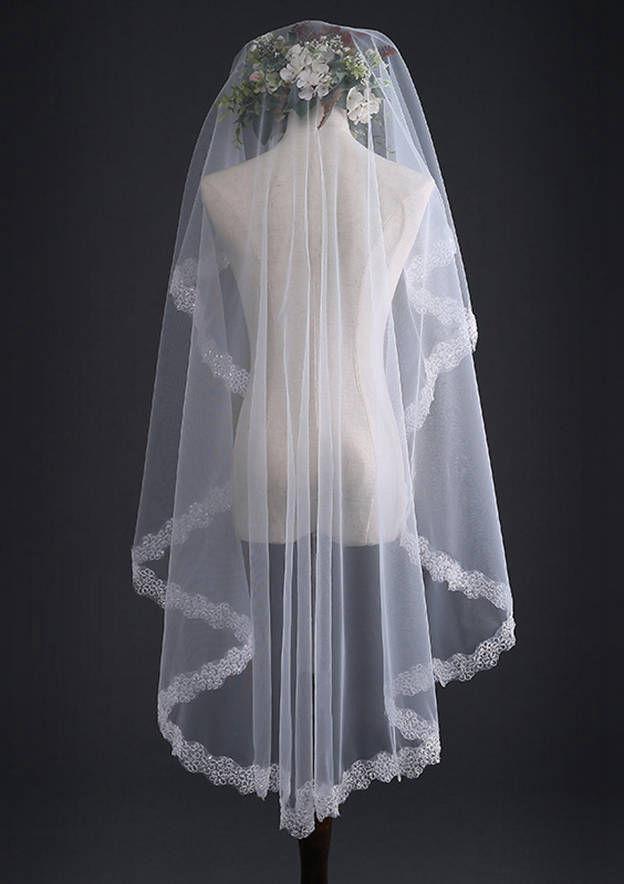 One-tier Lace Applique Edge Fingertip Bridal Veils With Sequin