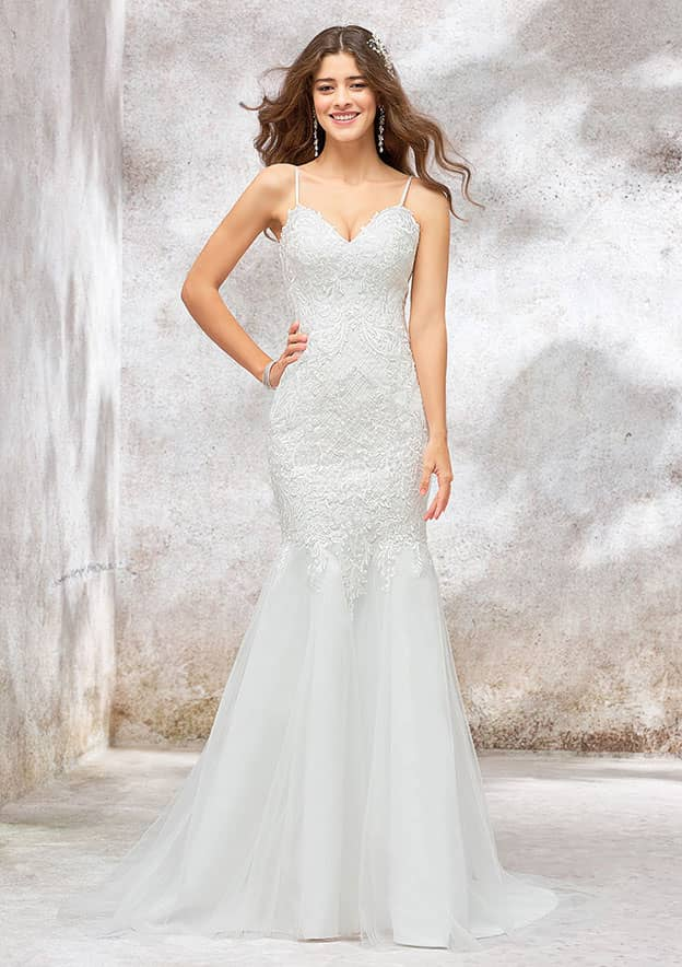Trumpet/Mermaid Sleeveless Sweep Train Lace/Tulle/Satin Wedding Dress With Sequins